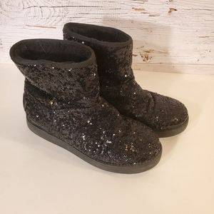GUESS black sequin boots